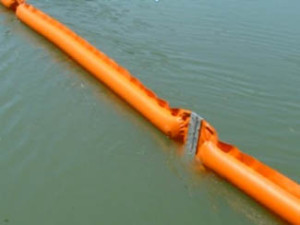 inflatable-oil-boom-offshore